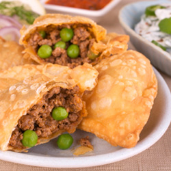 Lamb curry puff with yoghurt mint sauce thumbnail