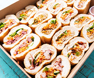 30 bite size baguette pieces thumbnail