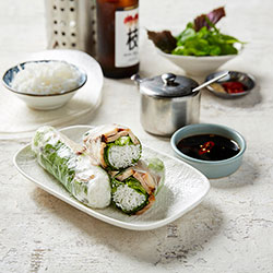 Grilled chicken rice paper roll thumbnail