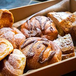 Sweet croissant box thumbnail