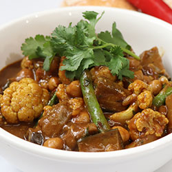 Cauliflower and coconut curry thumbnail