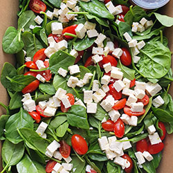 Baby spinach and fetta salad thumbnail