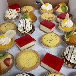 Assorted dessert platter thumbnail