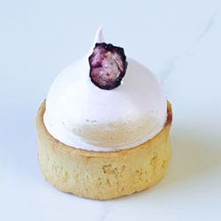 Mini Blueberry meringue tart thumbnail