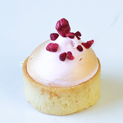 Mini Raspberry meringue tart thumbnail