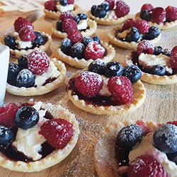Fresh berry tart thumbnail