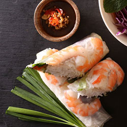 Fresh rice paper rolls thumbnail