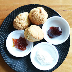 Hibiscus and lemonade scone thumbnail