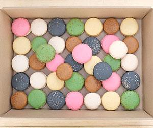 Assorted macaroon box (Low Gluten) thumbnail