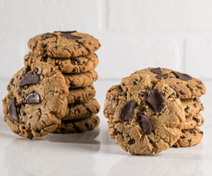 Chocolate peanut butter cookie thumbnail