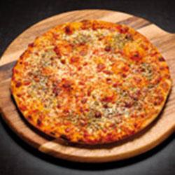 Garlic herb and mozzarella pizza thumbnail