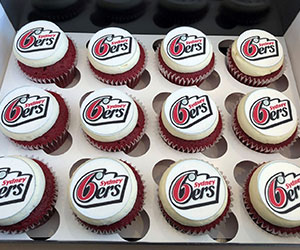 Cupcakes with logo thumbnail