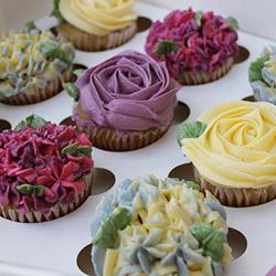 Cottage Garden cupcake gift box thumbnail