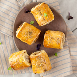 Pork and fennel sausage roll - mini thumbnail