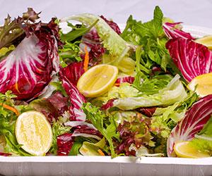 Crispy mixed leaf salad thumbnail