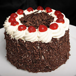Black forest round cake thumbnail