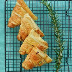 Breakfast croissants thumbnail
