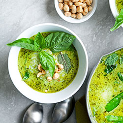 Green chicken curry thumbnail