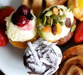 Assorted petite cakes thumbnail