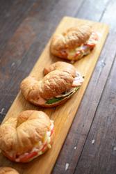 Ham and cheese croissant thumbnail
