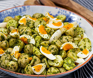 Herby potato and egg salad thumbnail
