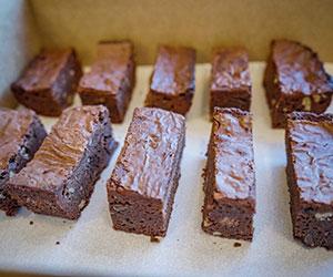 Dark chocolate brownies thumbnail