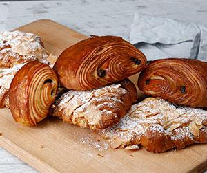 Sweet croissant thumbnail
