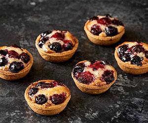 Berry almond tarts thumbnail