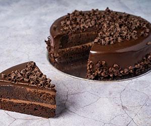 Chocolate mud cake - Gluten free! thumbnail