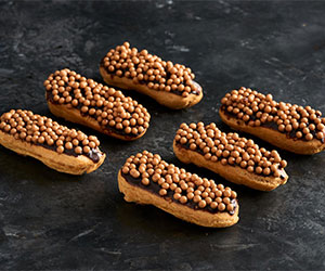 Salted caramel eclairs - mini thumbnail