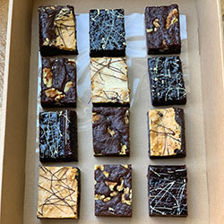 Signature fudge brownies box thumbnail