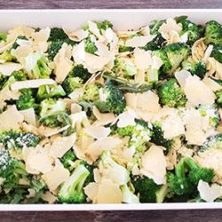 Steamed broccoli and rocket salad thumbnail