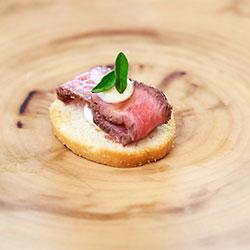 Seared beef en croute thumbnail