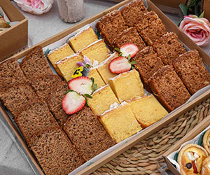 Assorted sweet bread slice thumbnail