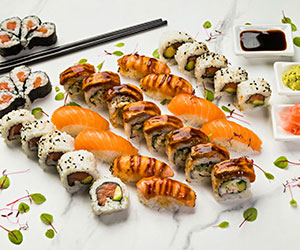 Assorted sushi platter thumbnail
