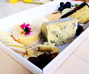 Gourmet International cheese platter thumbnail