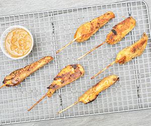 Chicken satay skewers thumbnail