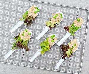 Chicken san choy bao spoons thumbnail