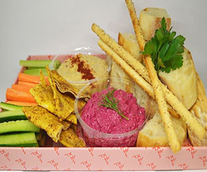 Dip platter with crudites and crackers thumbnail