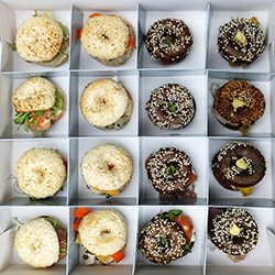 Lunch bagel boxes thumbnail