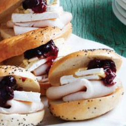 Turkey, cranberry and brie bagel - mini thumbnail