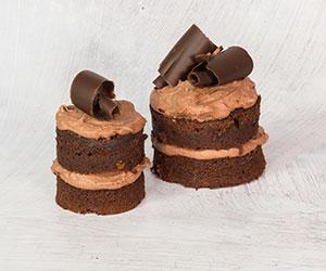 Traditional chocolate cake thumbnail