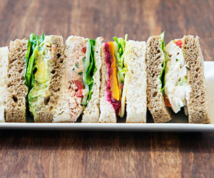 Traditional pointed sandwiches thumbnail