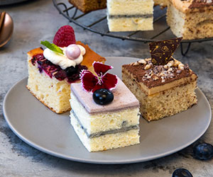 House baked cakes and slices thumbnail