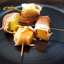 Prosciutto wrapped honeydew thumbnail