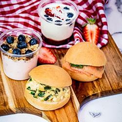 Montmartre breakfast thumbnail