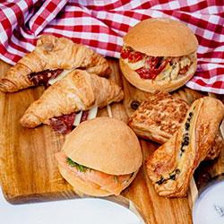 Versailles breakfast thumbnail