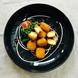 Crumbed Camembert wedges thumbnail