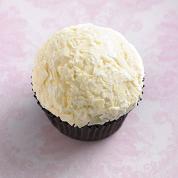 Classic cupcakes - triple white thumbnail
