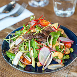 Grilled beef salad - serves 3 to 4 thumbnail